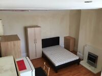 Recently refurbished studio flat. PRIVATE LANDLORD. NO AGENCY FEES !!