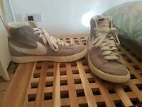 Genuine size 7 nike trainers