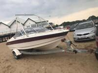 Regal speed wakeboard boat