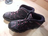 New Boxed McKinley Size 7 Ladies Walking Boots rrp £39.99 ONLY £7.00 or near offer