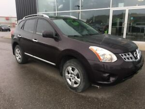 2011 Nissan Rogue S, New Battery,& Front Brakes