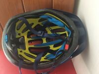 Women's bike cycling Traverse helmet - virtually new (worn only once)