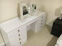 White Kneehole Dressing Table with Tripple Mirror and 8 Drawers