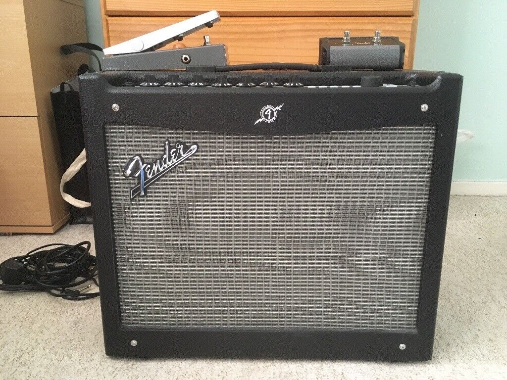 fender mustang iii v2 amp including footswitch and fender expression pedal in clydebank. Black Bedroom Furniture Sets. Home Design Ideas