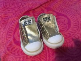 Infant gold converse size 4