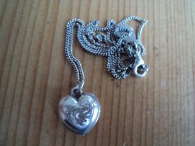 Very old vintage detailed puffed heart pendant necklace /chain