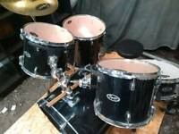 Fender squier full size drum kit