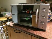 Bench top cooker and oven