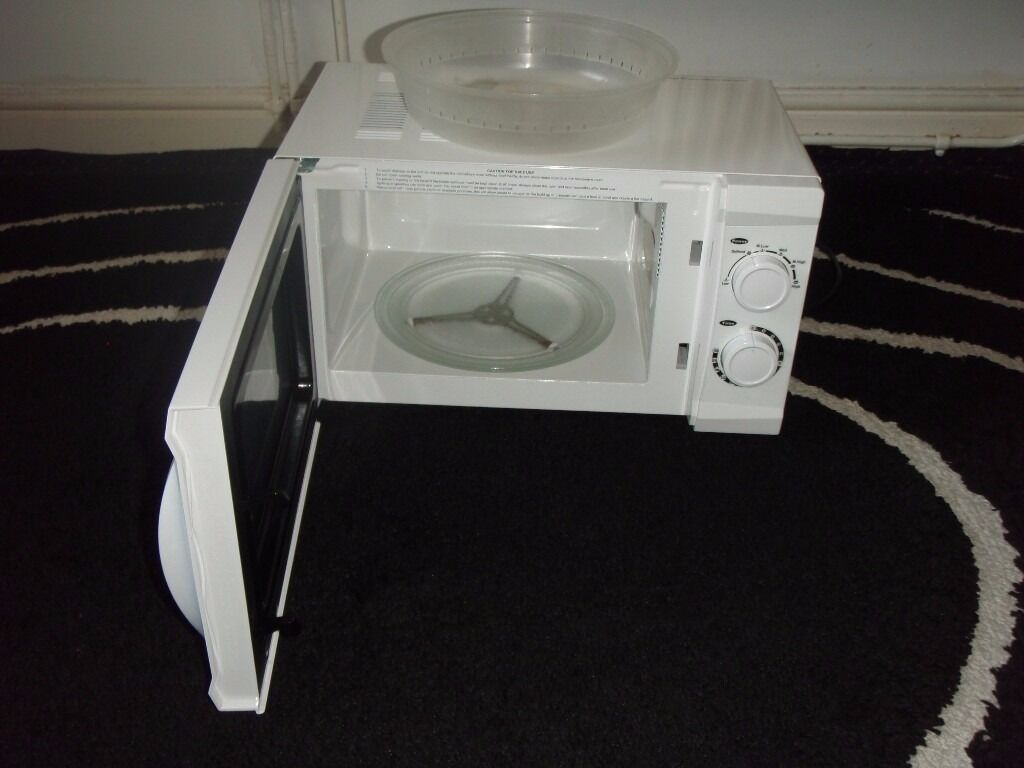 microwave newin Blackburn, LancashireGumtree - microwave new only used a few times comes with microwave cover first to see well buy
