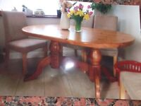 dinning room table solid pine seats 6 good condition ideal for familys