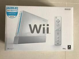 Wii games console & extras