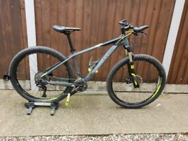 Cube Reaction GTC Pro full carbon MTB hardtail in grey and flash yellow