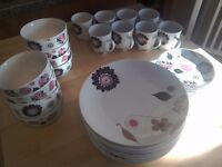 Set of crockery (odd numbers!) for sale