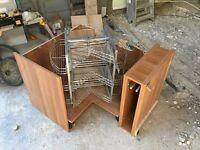 Kitchen carousel corner unit