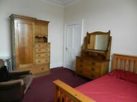 Room in warm secure and friendly houseshare in quiet lane