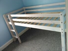 Midi sleeper bed