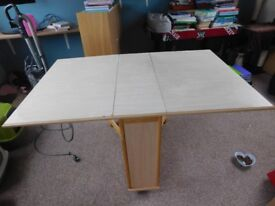 SPACE SAVER FOLDAWAY TABLE WITH 4 CHAIRS