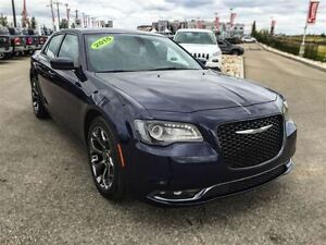 2015 Chrysler 300 S|Leather|Nav|Sunroof|Black-Out Package