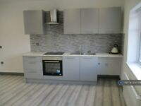 1 bedroom flat in Mosley Common Road, Worsley, Manchester, M28 (1 bed) (#1230744)