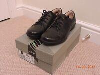Women's Clarks Un Honey Flat Black Shoe - Size UK 5 BRAND NEW in the Box Never Worn