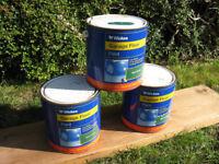 Three 2.5l tins Wickes garage floor paint Dark Green