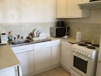 bright large one bedroom flat to let @ RM18 8YR near east tilbury station available now!!