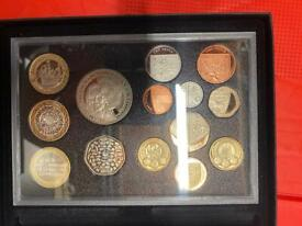 2011 PROOF ROYAL MINT COIN SET WILLIAM AND CATHERINE CROWN LIMITED EDITION TO 2000
