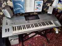 Yamaha tyros 1 keyboard with sub,speakers and stand
