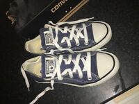 Navy converse size 3.5 adults