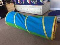 Kids' soft play tunnel