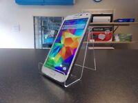 Samsung galaxy s5 white, unlocked, good condition