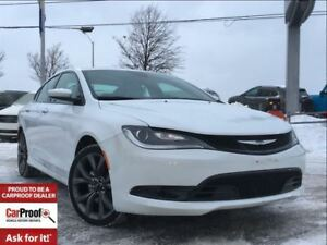 2015 Chrysler 200 S**PANORAMIC SUNROOF**NAVIGATION**
