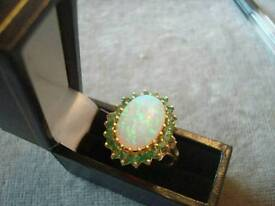 9CT GOLD EMERALD AND OPAL RING