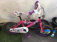 Girls bike 6-8 yrs roughly.