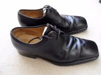 MEN'S SHOES, BLACK CALF LEATHER. BY BALLY, BARONE STYLE SIZE 7 (41). EXCELLENT CONDITION.