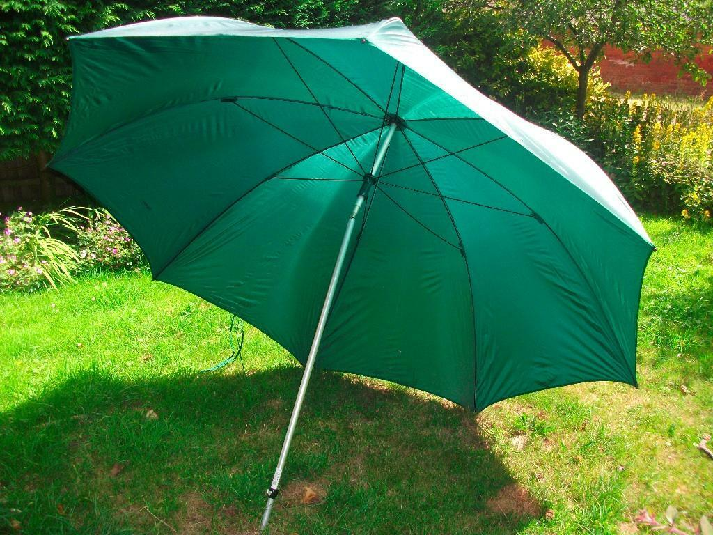 Large 50 Inch Green Fishing Umbrella With Tilt Ground