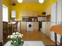 **PRIVATE LET** NO FEES TO TENANTS ** MODERN 2 BED GARDEN FLAT**PRICE REDUCTION FOR QUICK LET**