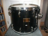 "PEARL MASTERS CUSTOM MAPLE 14"" x 12"" MOUNTED TOM TOM"