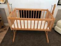 Swing cot/crib
