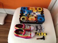 Girls Snazzy Heelys (Size 2) multi-coloured only worn twice with box and cd instructions.