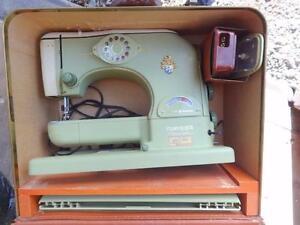 TURISSA NOVOMATIC ANTIQUE SEWING MACHINE / Switzerland / Vintage Rare Carry Case Mid-Century MCM