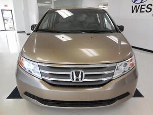 2011 Honda Odyssey EX V6 3.5L 8 PASSAGERS 103$/semaine