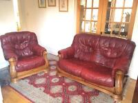 Stunning Luxury Italian Leather & Studded Oak Carved Sofa & Armchair