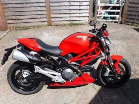 Ducati Monster 696 Plus ABS full ducati history excellent condition MOT May 17