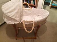 Moses basket with rocking stand - Winnie the Pooh design