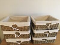 Wicker baskets x6