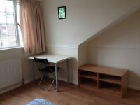 Large Attic Bedroom In Great 6 Bed All Inclusive House