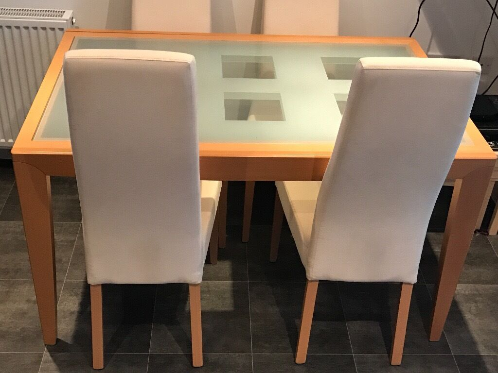 Reduced dining table with chairs beech colour