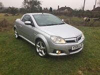 Silver Vauxhall Tigra 1.8 Exclusiv convertible cctv and pioneer stereo