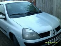 2004 renault cleo 1 owner service history 10 months mot taxed